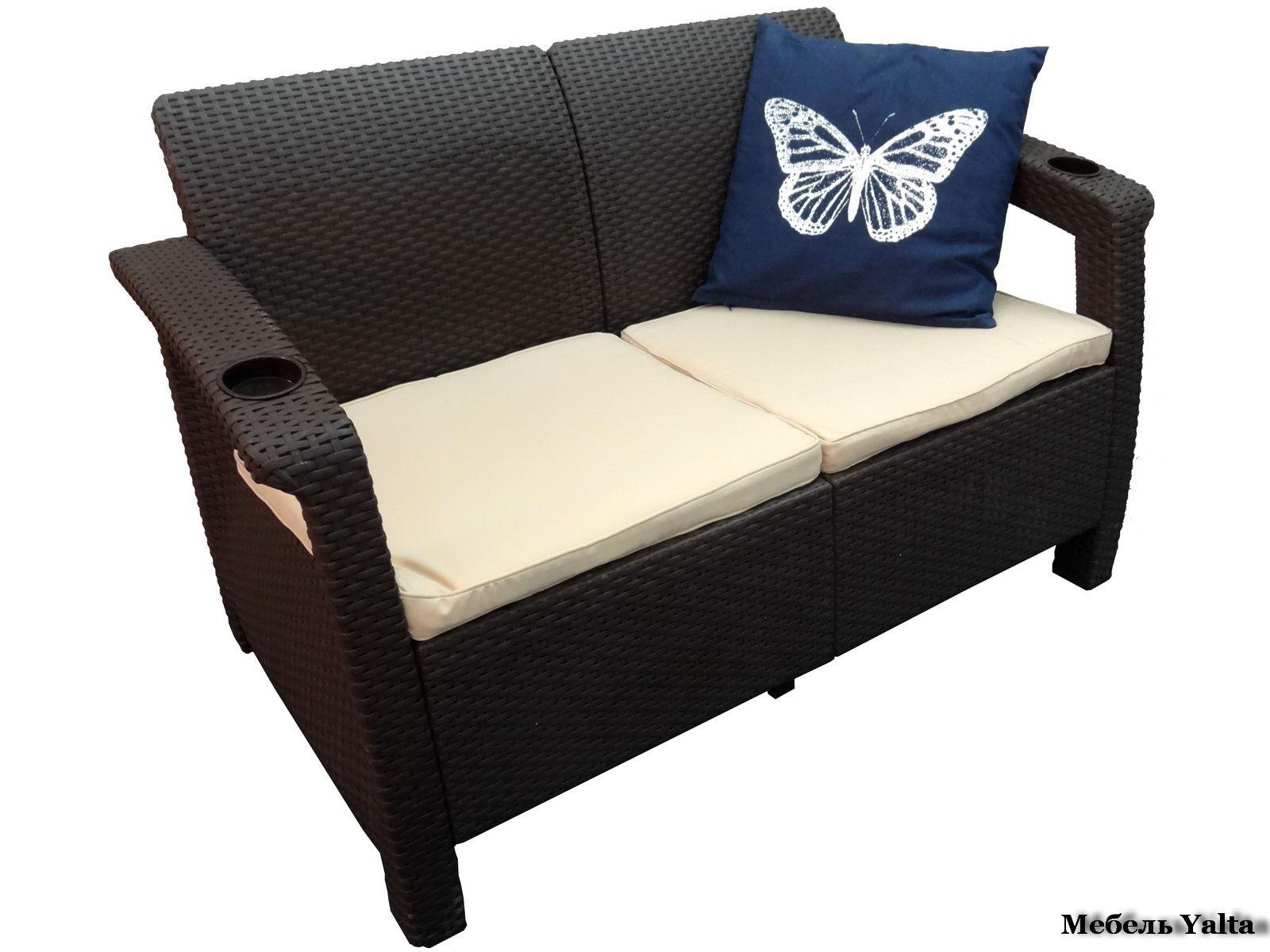 Двухместный диван для кухни